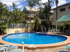 Cascade Gardens Apartments Gold Coast Just 5 minutes' walk from Broadbeach, Cascade Gardens Apartments offer a heated pool with a spa pool, BBQ facilities and free secure underground parking. All apartments are self-contained and offer a balcony.