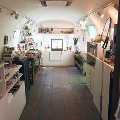 Small-batch beauty products, gifts, garden and vintage goods and then some...all inside a 1979 Airstream Trailer? We're sold! Can't wait to check out Menagerie in Portland, OR. (Photo: @aspensummit, #RSindieshop)