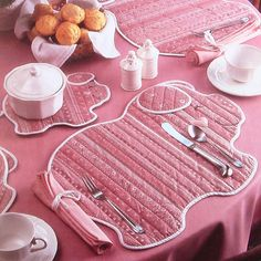 Hey, I found this really awesome Etsy listing at https://www.etsy.com/listing/150240866/vintage-piglet-place-mats-potholder