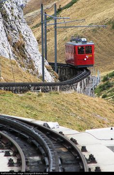 Railcar from Pilatus Kulm (2073 meters over sealevel) to Alpnachstad leaves the upper station downhill, that's why the pantograph is not in use