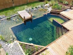 73 Backyard and Garden Pond Designs And Ideas 73 Hinterhof und Gartenteich Designs und Ideen Natural Swimming Ponds, Natural Pond, Haacke Haus, Design Fonte, Kleiner Pool Design, Garden Pond Design, Landscape Design, Landscape Plans, Small Pool Design