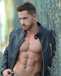 Male Models, Hot Guys & Muscular Beauty : Photo