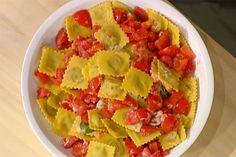 Ricetta Ravioli di carne con pomodoro fresco - Alessandra Spisni