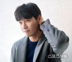 "[Interview] Kim Yeong-kwang, an innocent boy, ""Bye Avengers~"""