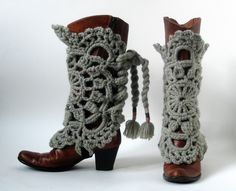Are your boots ready for autumn?  Add some #yarn to add the perfect touch!