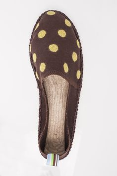 Espadrilles with felted dots, for more inspiration click here: http://www.prymyourstyle.com/index_gb.html