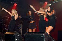 """Little Mix durante su performance en el Club """"Heaven"""" en Londres"""