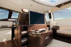 Azimut 86S - Wengé and crystal floating cabinet