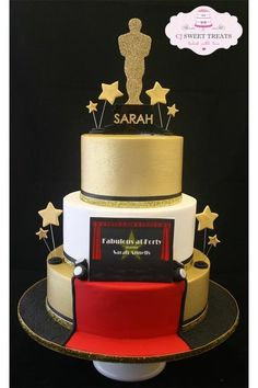 Fabulous cake for Carla Hollywood Cake Theme, Hollywood Birthday Parties, 70th Birthday Parties, Hollywood Party, Red Carpet Theme Party, Hollywood Sweet 16, Oscars, Movie Cakes, Sweet 16 Cakes