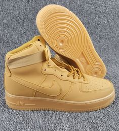 newest 517e2 36d7f Nike Air Force 1 High Blé Femmes Hommes Pas Cher