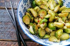 Dutch Kitchen, Sprouts, Vegetables, Crock Pot, Food, Indonesian Recipes, Seeds, Cooking, Indian