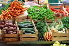 Visit our Farmers Market in Missouri City, fresh fruit, vegetables, food trucks and more. We are known as the Farmers Market By The Lake. Organic Vegetables, Fruits And Vegetables, Vegetables List, Vegetables Garden, Healthy Vegetables, Grilled Vegetables, Fresco, Quinoa, Breakfast Low Carb