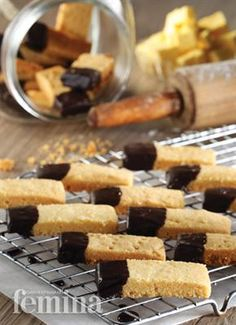 Simple Shortbread Bread Salad, Banana Chips, Pastry Cake, Shortbread, Chocolate Cookies, No Bake Desserts, Cake Cookies, Cookie Recipes, Food And Drink