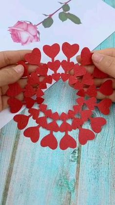 Cool Paper Crafts, Paper Flowers Craft, Flower Crafts, Diy Paper, Diy Crafts For Home Decor, Diy Crafts Hacks, Diy Crafts For Gifts, Valentine Day Crafts, Holiday Crafts