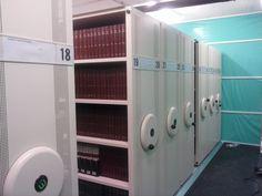 Compactos en la Nueva Biblioteca Campus-Cartuja Lockers, Locker Storage, Cabinet, Furniture, Home Decor, Organize, Clothes Stand, Decoration Home, Room Decor