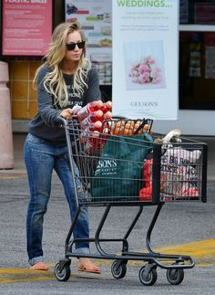 Celeb Diary: Kaley Cuoco spotted at Gelson's in Los Angeles