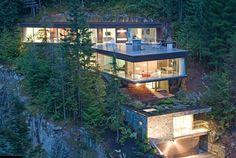 Una construcción en la ladera. La casa Khyber Ridge by Studio NminusOne - casa,una construcción,la casa,abrupta de la montaña,el paisaje
