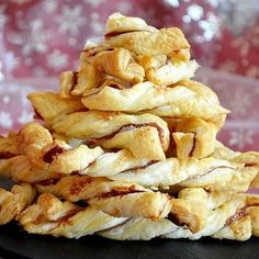 Torsades feuilletées au jambon et parmesan : 30 recettes pour un apéro maison - Journal des Femmes
