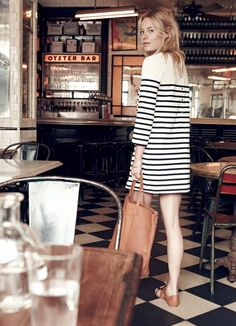 Casual summer outfit ideas that nail Paris style, striped t-shirt dress included