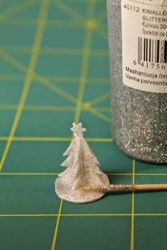 How to make miniature Christmas tree table decorations