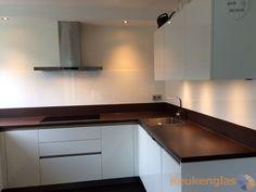 Witte keuken achterwand van glas in Dordrecht - Keukenglas #Eindhoven…
