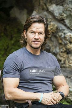 Actor Mark Wahlberg, Donnie Wahlberg, Wahlberg Brothers, Hottest Male Celebrities, Celebs, Gorgeous Men, He's Beautiful, Jennifer Aniston Style, Mr Big