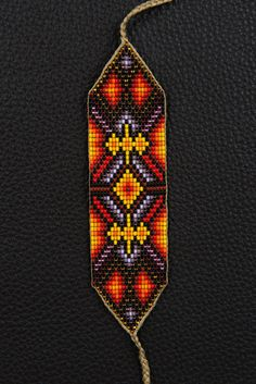 Fire of Life Bracelet por myilumina en Etsy Native Beading Patterns, Seed Bead Patterns, Native Beadwork, Loom Bracelet Patterns, Bead Loom Bracelets, Seed Bead Crafts, Chevron Friendship Bracelets, Bijoux Diy, Beads And Wire