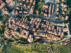 Pienza (SI) from the sky. Aerial photo by Max Morriconi.