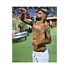 "1,016 mentions J'aime, 8 commentaires - Marco Insigne (@marcoinsigne_) sur Instagram : ""great captain ⚽️✔️ #insigne"""