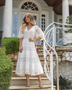 Como não amar a delicadeza e os detalhes do nosso white dress usado pela linda @mamacastilho? All White, Casual, White Dress, Dresses With Sleeves, Long Sleeve, Wedding, Amanda, Life, Instagram