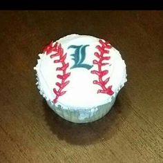 Baseball cupcake for a team party. June 2015