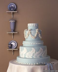 The Martha Stewart Wedgewood wedding cake. Who doesn't love Wedgewood blue? Gorgeous Cakes, Pretty Cakes, Amazing Cakes, Cupcakes, Cupcake Cookies, Fancy Cakes, Mini Cakes, Purple Wedding Cakes, Blue Wedding