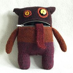 Online Knitting and Crochet Pattern Software. Knitinspire is a pattern drafting software that allows you to create patterns for both crochet and knitting. Sock Monster, Monster Toys, Monster High, Knitting Projects, Knitting Patterns, Sewing Projects, Knitting Toys, Bear Patterns, Canvas Patterns