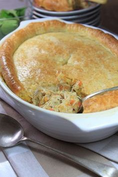 This Old-fashioned Chicken Pie is hard to beat. Packed with goodness and pretty easy to put together. Use storebought pastry if you need to save time. Turkey Recipes, Meat Recipes, Food Processor Recipes, Chicken Recipes, Cooking Recipes, Recipies, Chicken Pie Recipe Easy, Cooking Bacon, Cooking Turkey