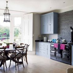 Spacious traditional style open-plan kitchen-diner