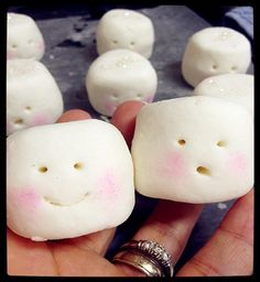 Hey, I found this really awesome Etsy listing at https://www.etsy.com/listing/110326333/bubbly-solid-bar-marshmallow-peppermint