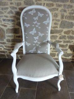 Retapiss un voltaire pois gris et blanc effet d 39 usure - Restauration fauteuil voltaire ...