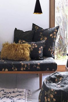 60 New York Decorating Photos - Home Fashion Trend Wabi Sabi, New York Style, Dream Decor, Living Room Bedroom, Restaurant Design, Decoration, Bean Bag Chair, House Design, Throw Pillows