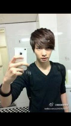 Lay Predebut <3 <3 <3. He still looks sexy in this pic no matter what anyone says. Saranghae Lay Oppa.