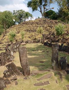 Giant Step Pyramid Has Revealed At Gunung Padang, Indonesia http://www.utaot.com/2015/04/13/giant-step-pyramid-has-revealed-at-gunung-padang-indonesia/