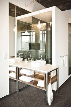 Hotel Daniel in Vienna's bathroom vanity  - check out the open bulb and flex lighting solutions