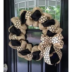 Black and Natural Moroccan Burlap Wreath 22 inch for front door or accent - outdoor or indoor --- I don't like many wreaths but this is adorable! Burlap Projects, Burlap Crafts, Wreath Crafts, Diy Wreath, Wreath Ideas, Tulle Wreath, Wreath Making, Deco Mesh Wreaths, Holiday Wreaths