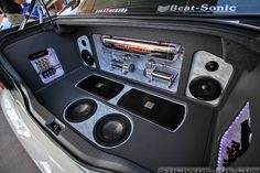 Love the custom audio set-up in the trunk with the Airrunner ...