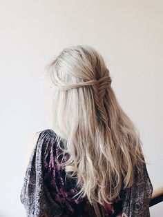Gorgeous Hair + Outfit. Found Here.