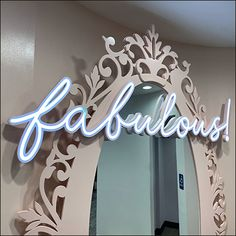 Fabulous Neon Fashion Mirror Outreach Retail Fixtures, Store Fixtures, Retail Merchandising, Retail Windows, Window Dressings, Lighting Store, Store Signs, Benches, Close Up
