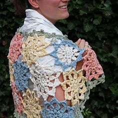 Crochet Flower Stole by Maaike van Koert