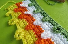 Sweet Bee Buzzings: Crochet Tutorial: Interlocking Loops