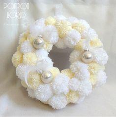 Pom pom wreath, Pompom wreath, Decicate pompoms, Christmas wreath, Light colors, White- light beige, Golden baubles, Glass balls, Feathers