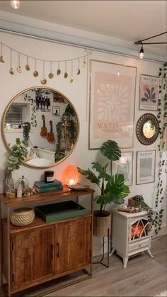 Indie Room, Room Ideas Bedroom, Home Decor Bedroom, Retro Room, Aesthetic Room Decor, Cozy Room, My New Room, Decoration, Room Interior