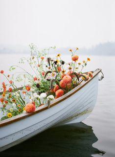 Purple Wedding Flowers End of summer retro engagement shoot in a rowboat full of flowers - Wild Flowers, Beautiful Flowers, Colorful Flowers, Flower Aesthetic, All Nature, End Of Summer, Belle Photo, Retro, Planting Flowers